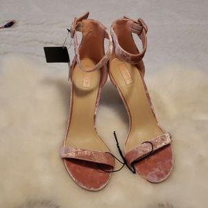 Nwt forever21 10 pink velvet heels